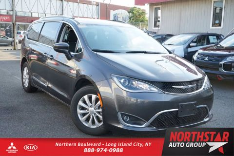 Pre-Owned 2019 Chrysler Pacifica Touring L FWD Mini-van, Passenger